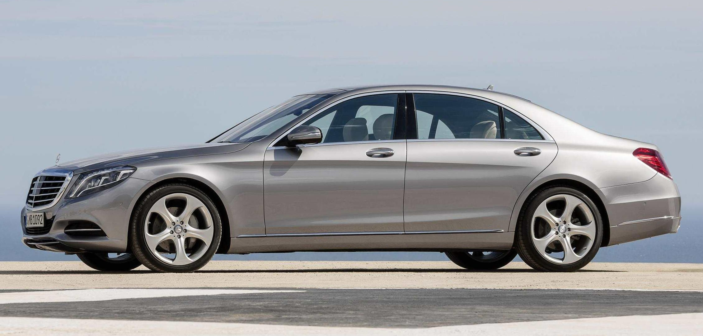Mercedes-Benz S400 Hybrid (2014): New Car Review