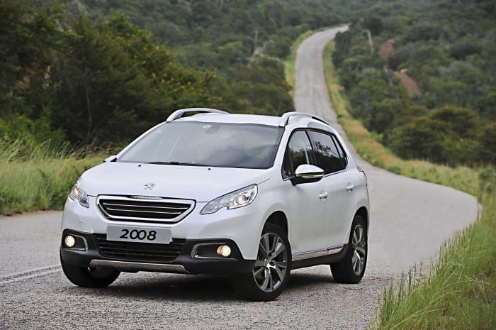 Peugeot 2008 Front Angle - Surf4cars