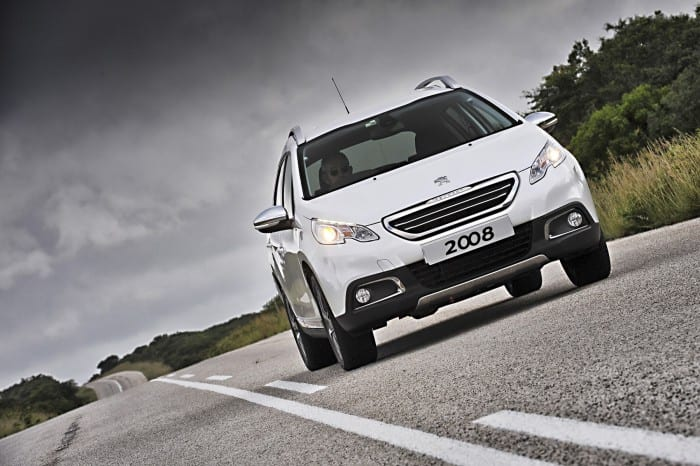 Peugeot 2008 Low Angle - Surf4cars