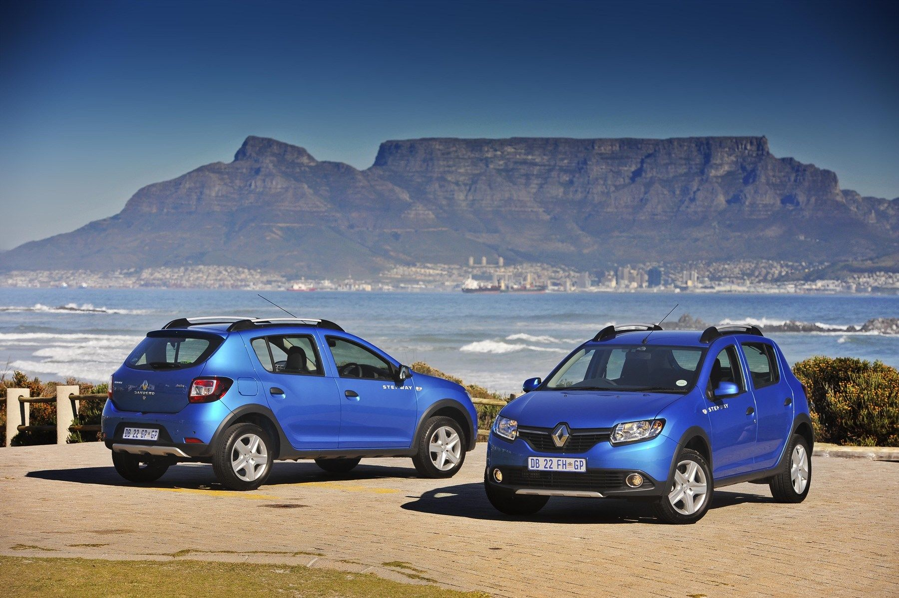 Renault Sandero Stepway (2014): New Car Review