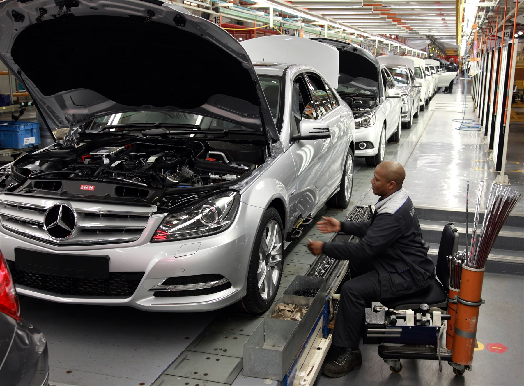 Mercedes benz south african plant shines silver latest for Mercedes benz south africa