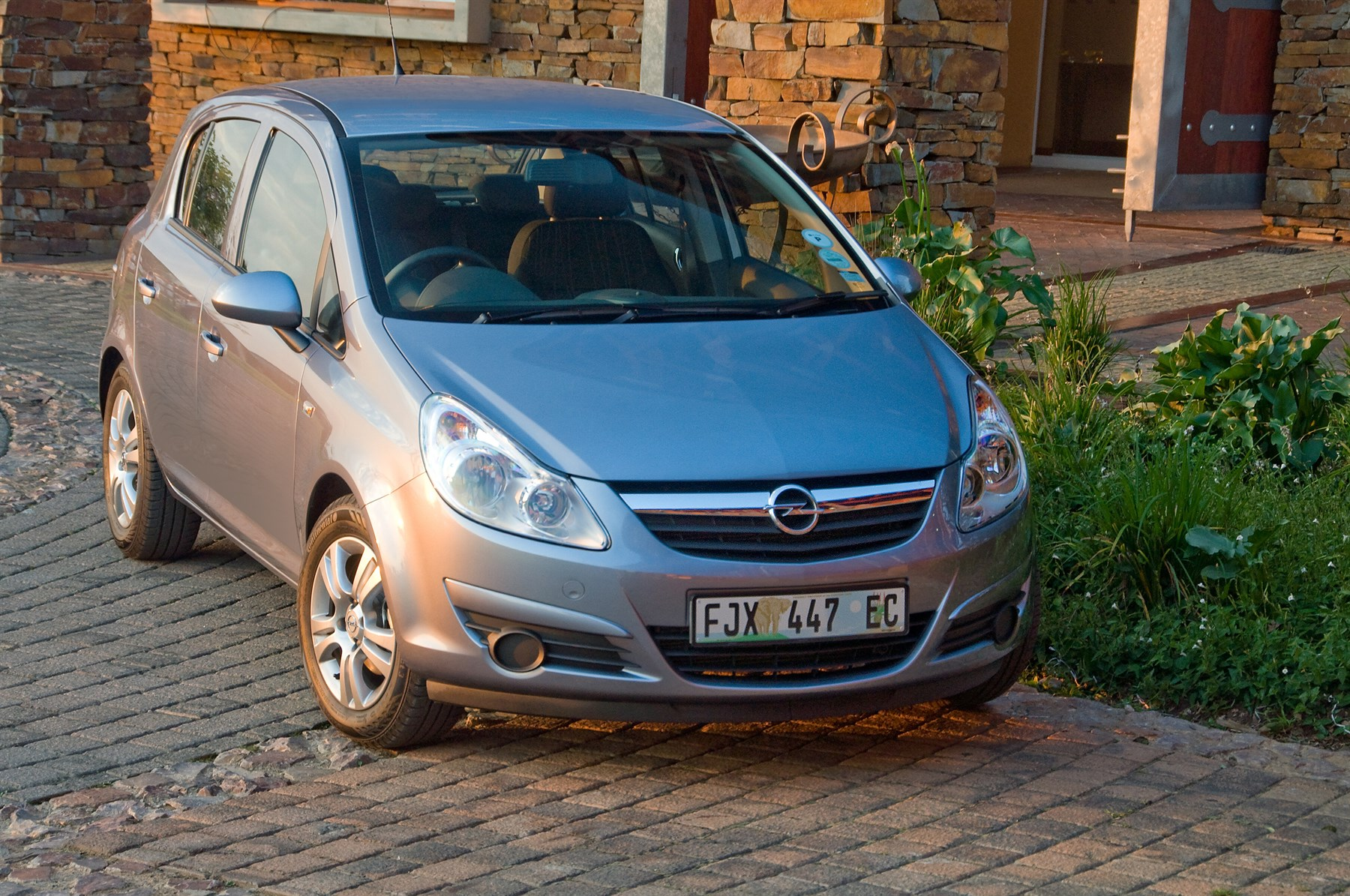 2014 opel corsa essentia new car review surf4cars. Black Bedroom Furniture Sets. Home Design Ideas