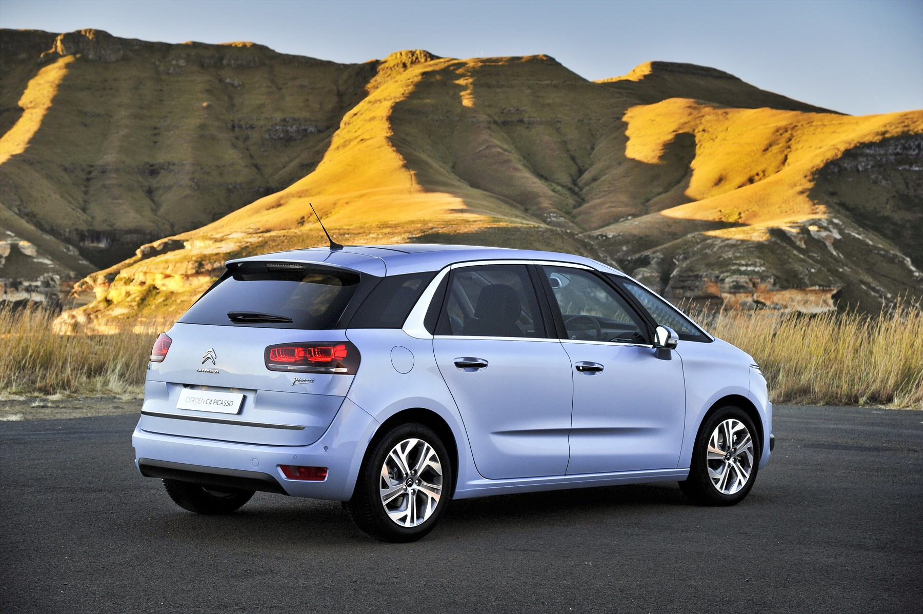 citroen c4 picasso 2014 new car review surf4cars. Black Bedroom Furniture Sets. Home Design Ideas