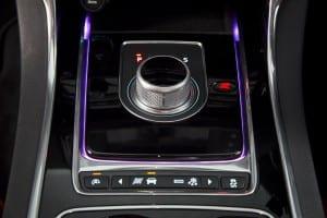 Jaguar XE - interior (7)