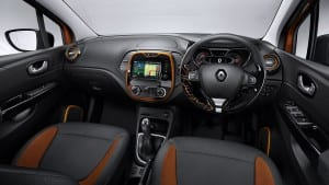 renault_captur-sunset-dash-rhd_ig_w1920_h1080