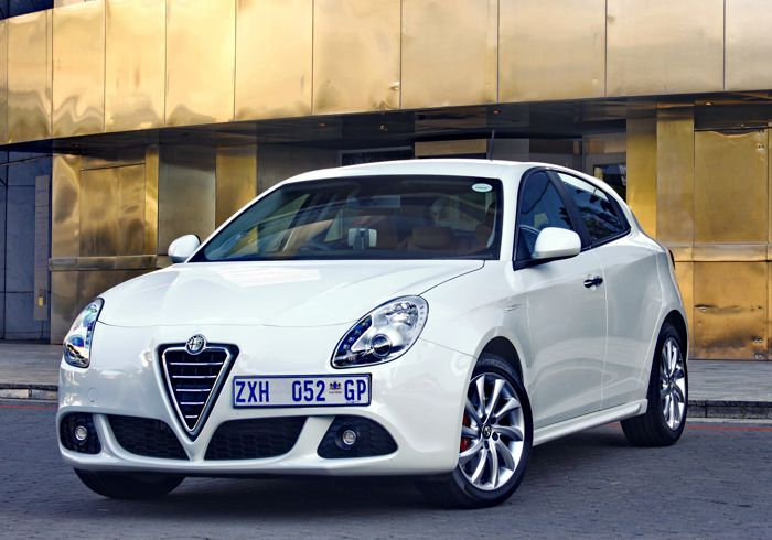 """New Vaal South – """"Even more sporty, even more Alfa Romeo"""" – Giulietta in Review"""