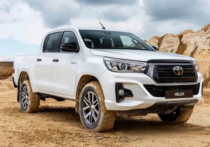 Awaiting The Arrival Of The Facelifted Toyota Hilux