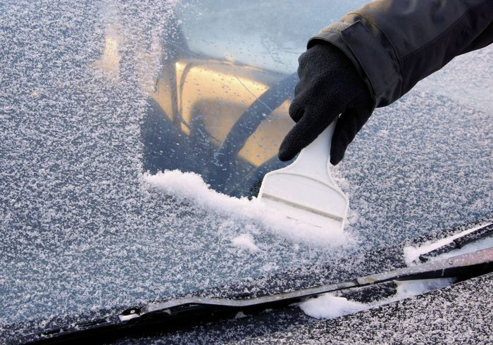 How To De-Ice Your Windscreen It's A Tough Job But Nobody Else Is Going To Do It